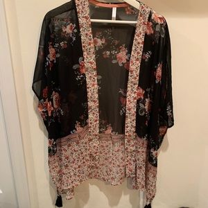 Other - Floral kimono cover up